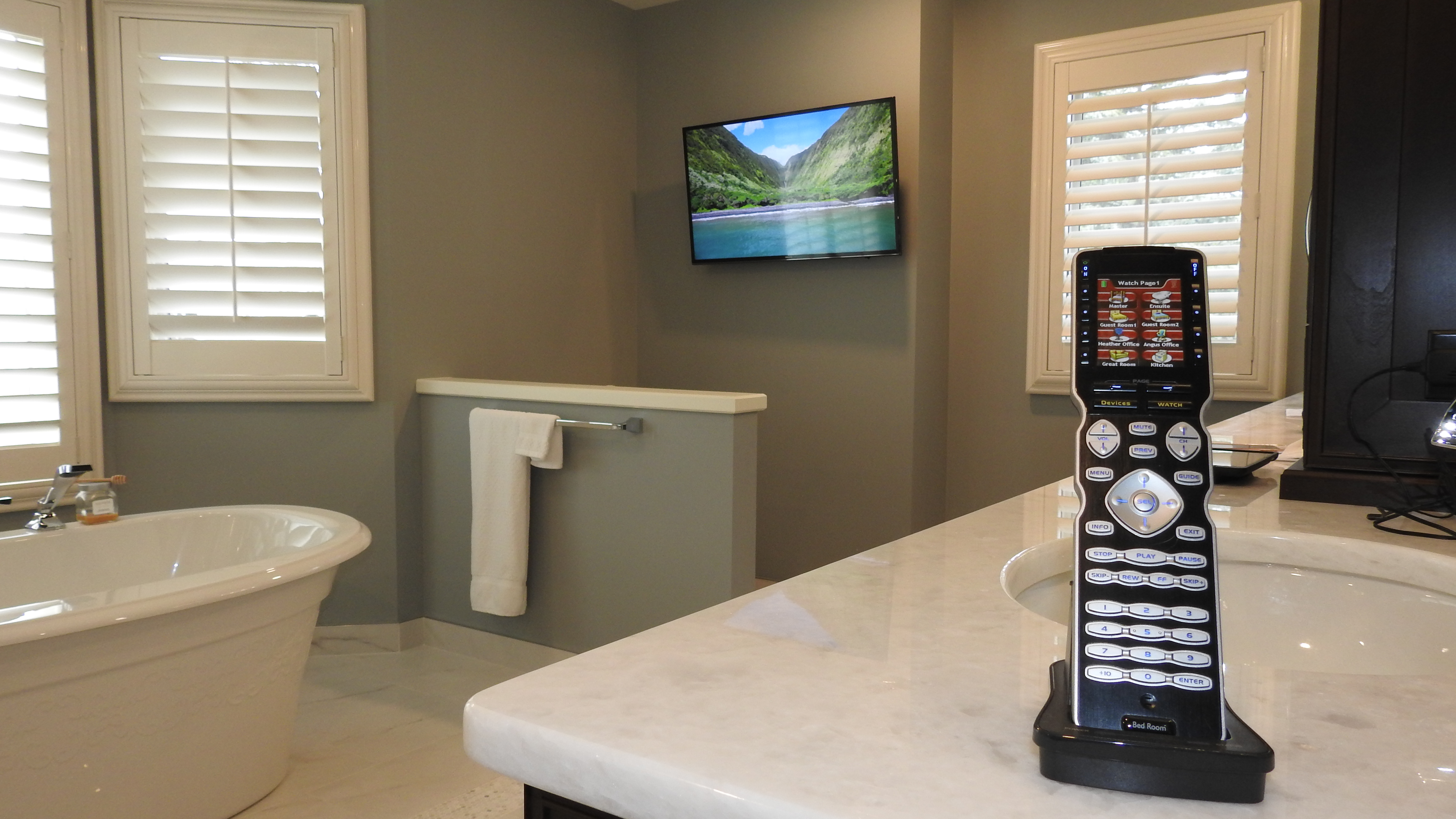 Ensuite TV with Remote